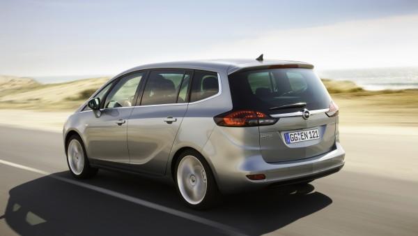 Opel Zafira Tourer: ora con 1.6 SIDI Turbo da 200 CV